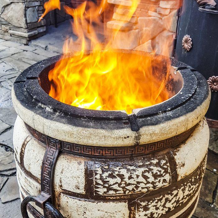Разжигаем огонь в тандыре